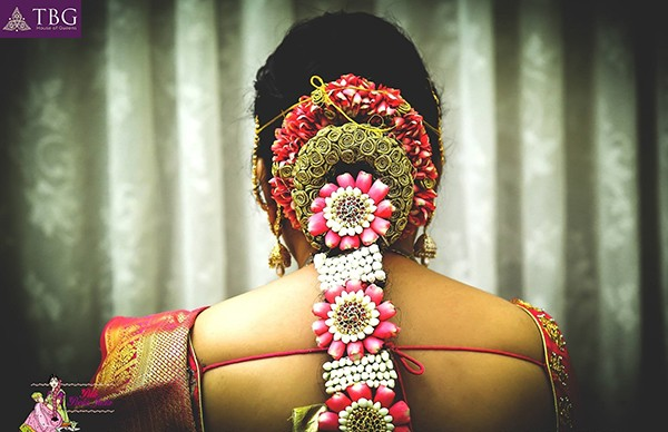 poo jadai designs for south indian brides