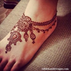 Anklet type Mehendi Designs for Feet