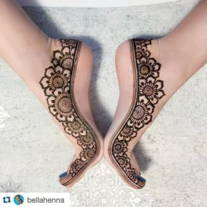 Simple Mehendi Designs for Feet