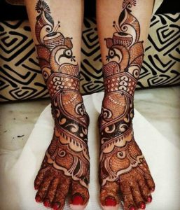 Baarat Mehendi Designs for Legs
