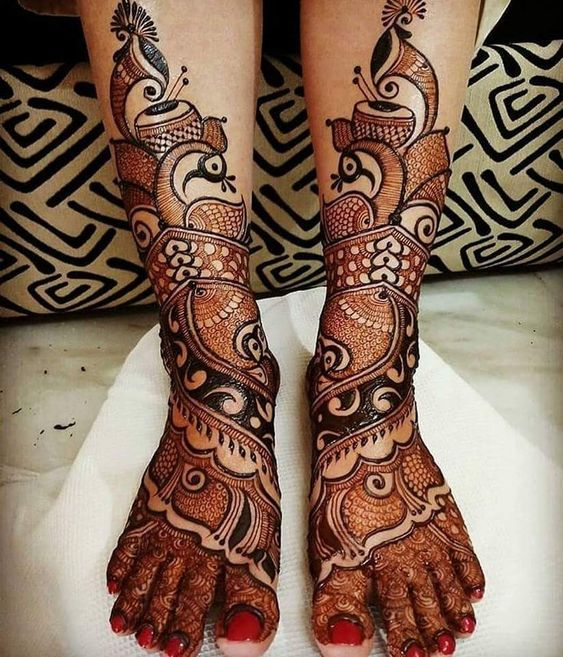 Baarat with Musical Drum Mehendi Designs for Legs