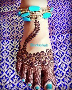 Rose Mehendi Design for Legs