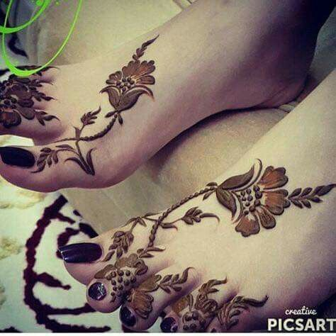 Floral Mehendi Designs for Legs