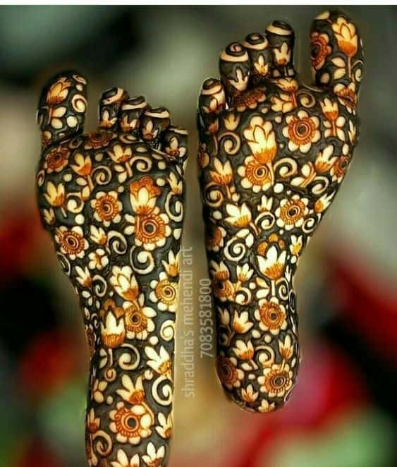 Flower Mehendi Designs for Sole