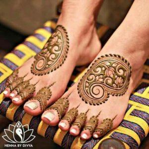 Mandala Mehendi design for legs