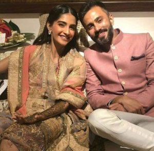 Sonam Kapoor mehendi outfit