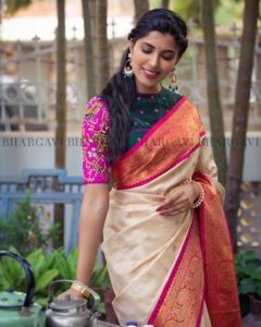 d4896ce4c85874 14 Trending Silk Saree Blouse Designs