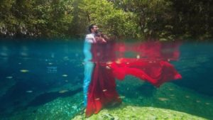 underwater couple photography