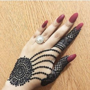 simple mehendi design back hand