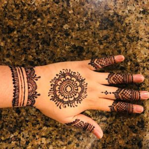 simple mehendi design image